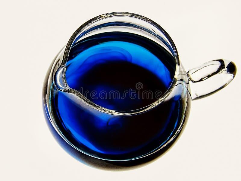 Poco jarro azul foto de archivo