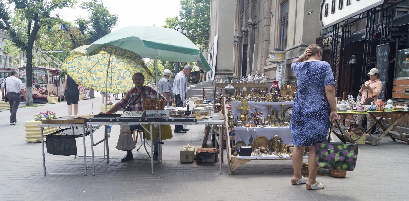 Poco mercato a chisinau immagine stock