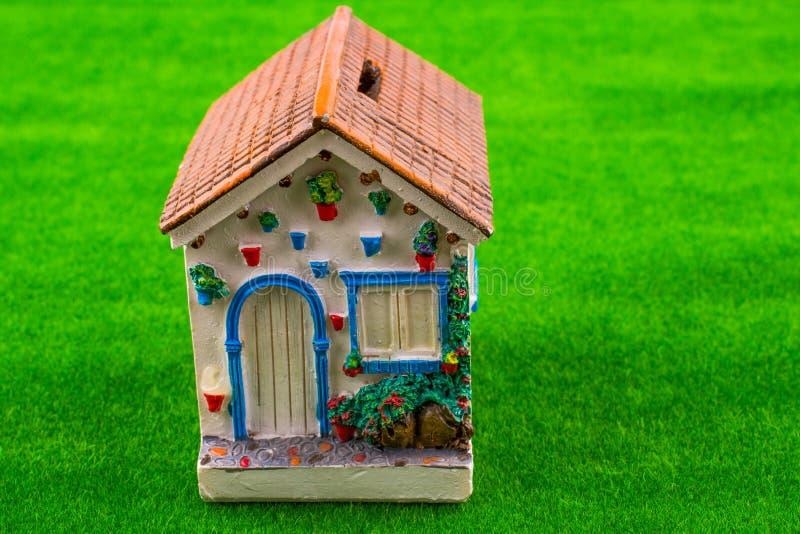 Poco modello della casa immagini stock