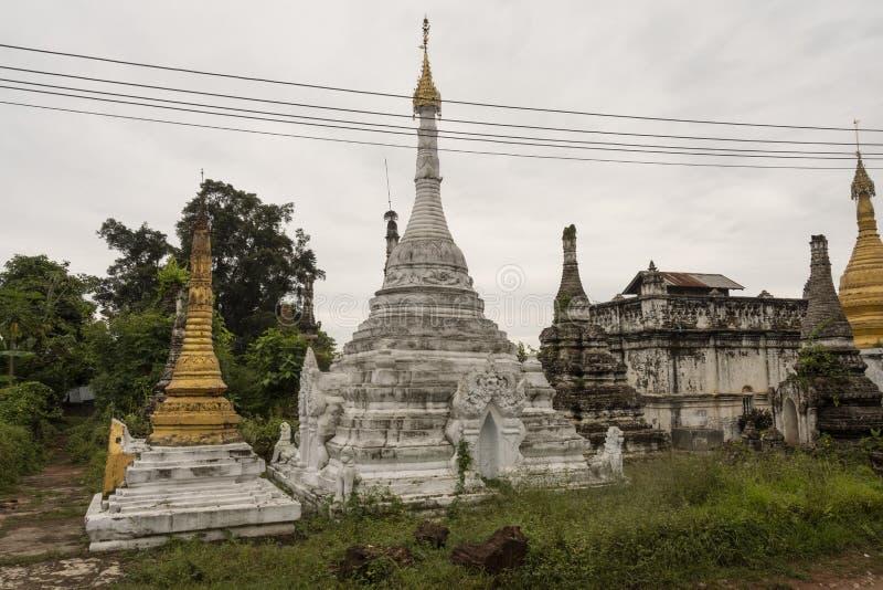 Poco pagoda bagan imagenes de archivo