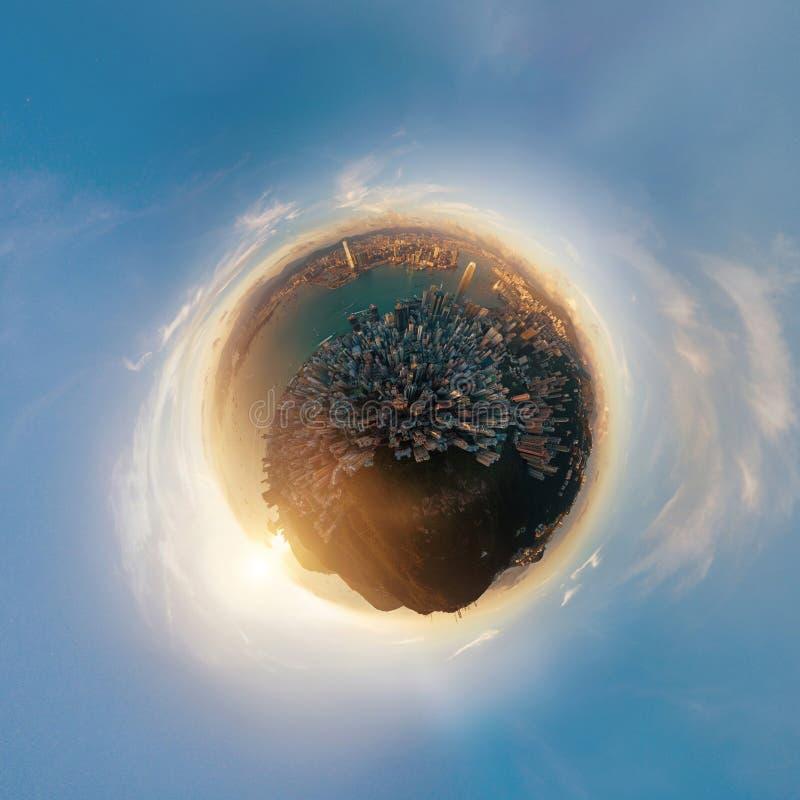 Poco pianeta vista di occhio di 360 di grado uccelli della sfera Vista panoramica o illustrazione di stock