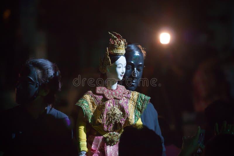 Poco teatro tailandese del burattino. fotografia stock libera da diritti