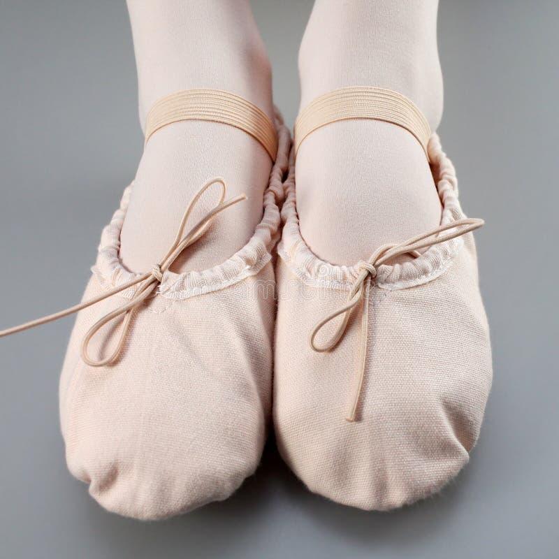 Pocos deslizadores del ballet fotografía de archivo