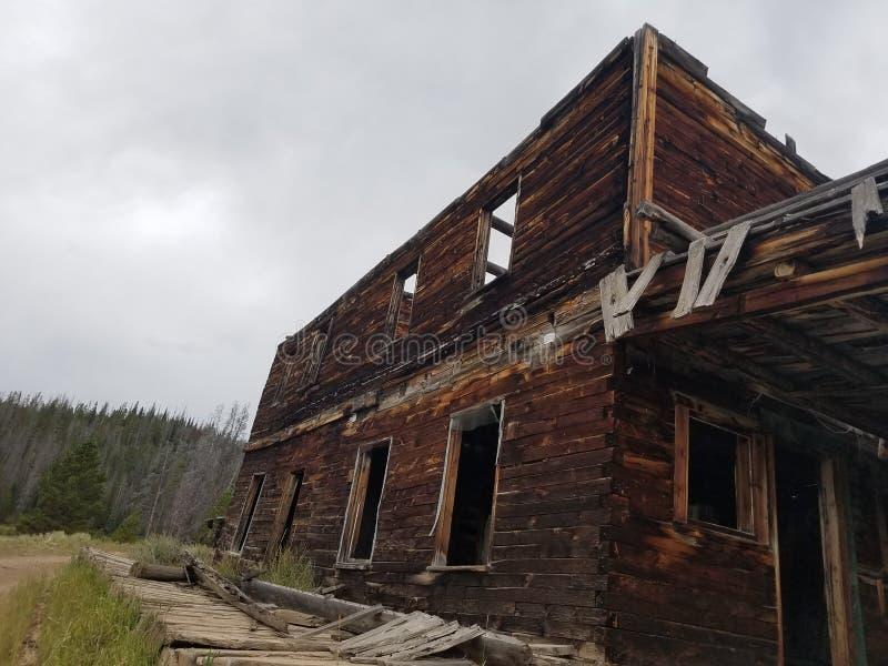 Pocos lados de la minera en ruinas imagen de archivo libre de regalías