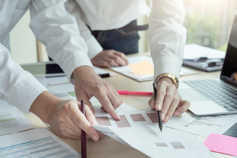 Początkowego różnorodności pracy zespołowej Brainstorming partnerstwa Planistyczny pojęcie zdjęcie stock