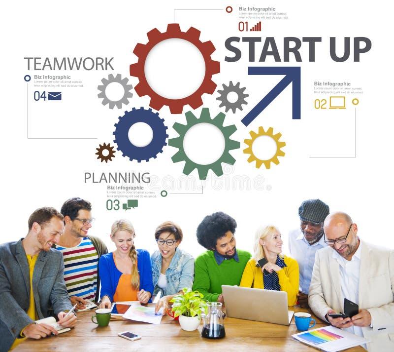 Początkowy Nowy plan biznesowy strategii pracy zespołowej pojęcie obrazy royalty free