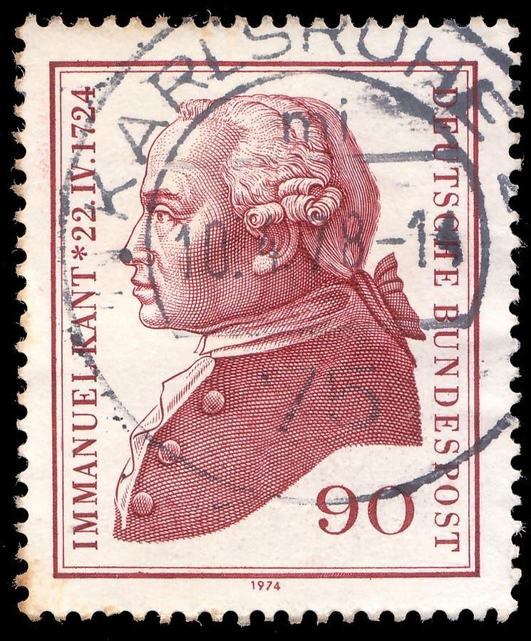 Poczta znaczek drukujący w Niemcy pokazuje portret Immanuel Kant - był influetial Niemiecki filozof w wieku oświecenie obrazy stock