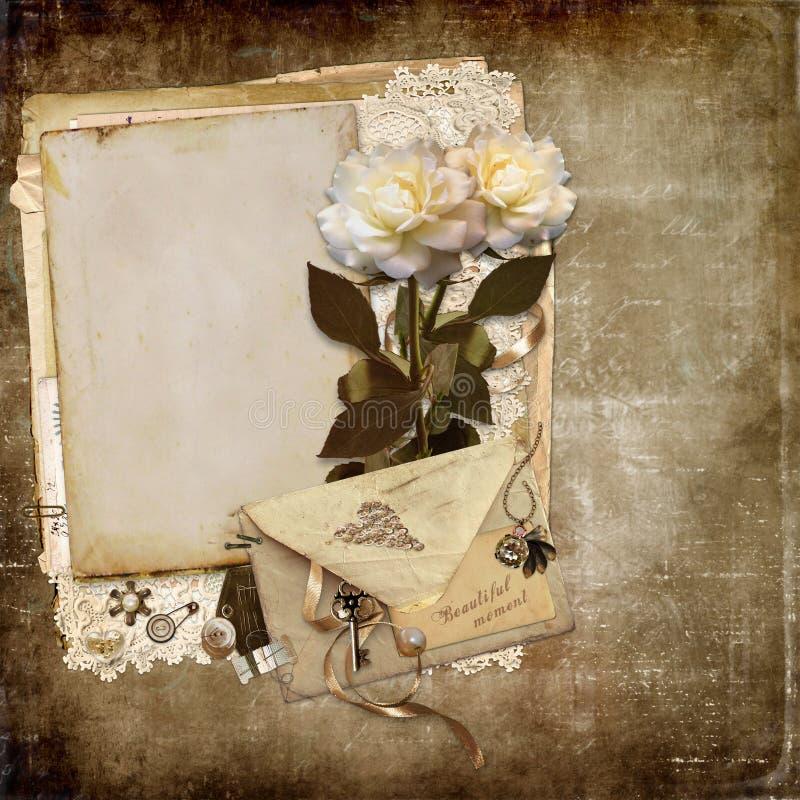 Podławy rocznika tło z różami i retro kartą z przestrzenią dla teksta lub fotografii, koperta, koronka, rocznik biżuteria royalty ilustracja