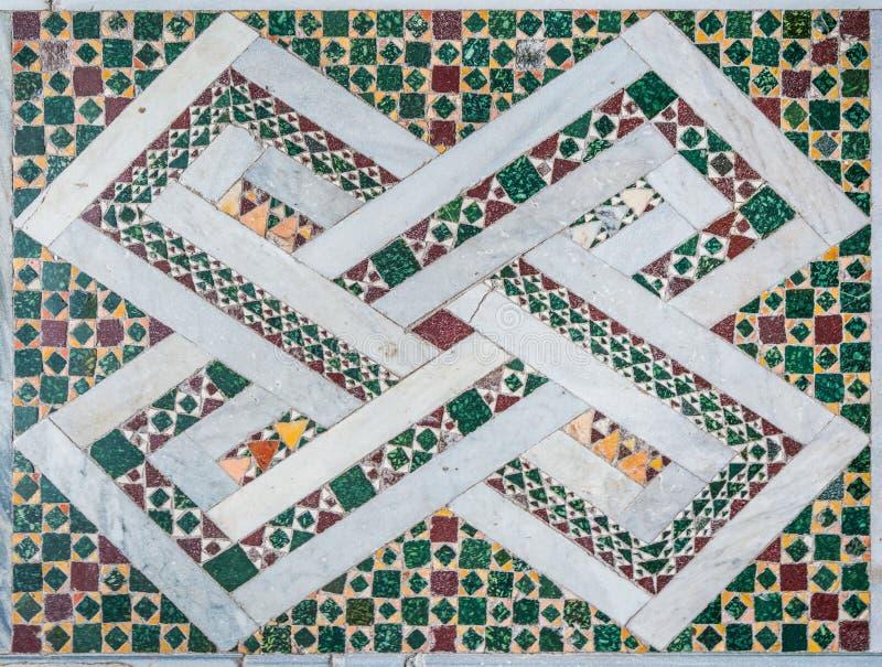Podłogowa mozaika w bazylice Saints Bonifacio i Alessio na Aventine wzgórzu w Rzym, Włochy fotografia royalty free