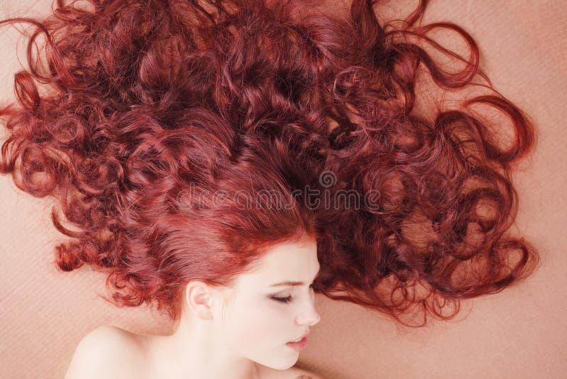 podłogowego dziewczyny włosy dłudzy łgarscy potomstwa obraz royalty free