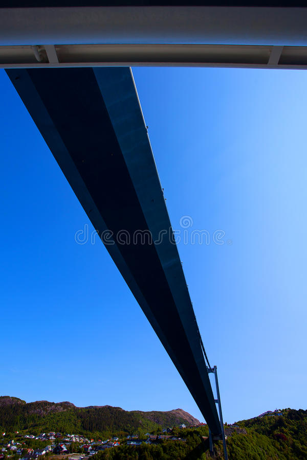 Pod Askoy mostem, Bergen, Norwegia obrazy stock