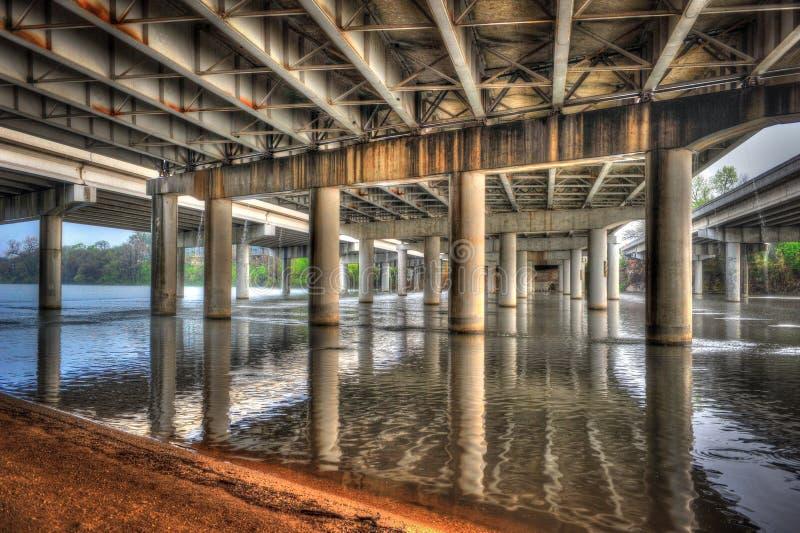 Pod mostem na Dama Ptasim jeziorze, Austin, Teksas obrazy stock