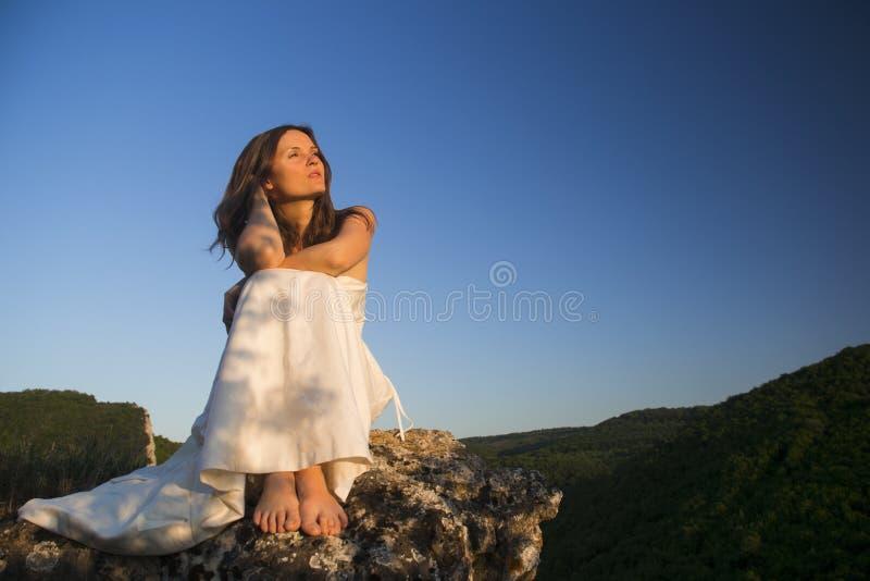 Pod niebieskim niebem zdjęcia royalty free