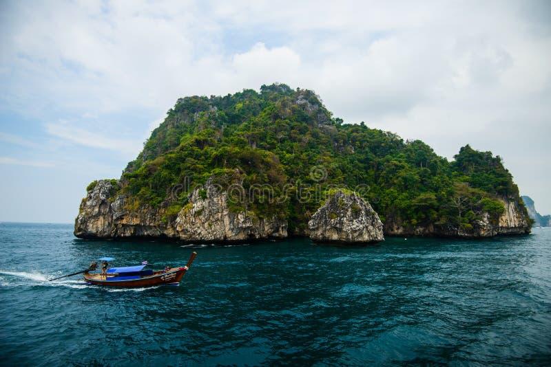 Poda ö och hönaö i Krabi Thailand arkivfoto