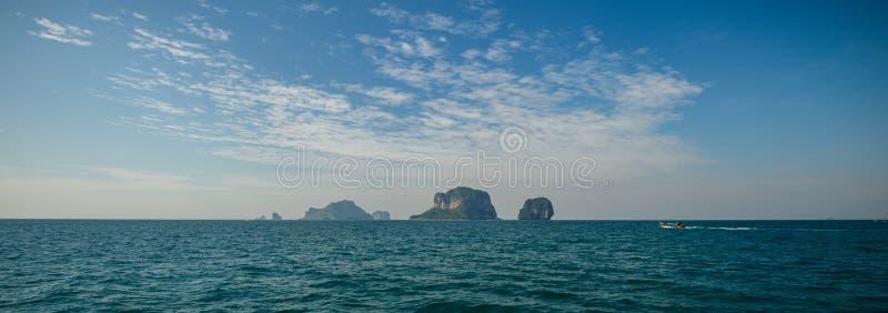 Poda ö och hönaö i Krabi Thailand royaltyfri fotografi