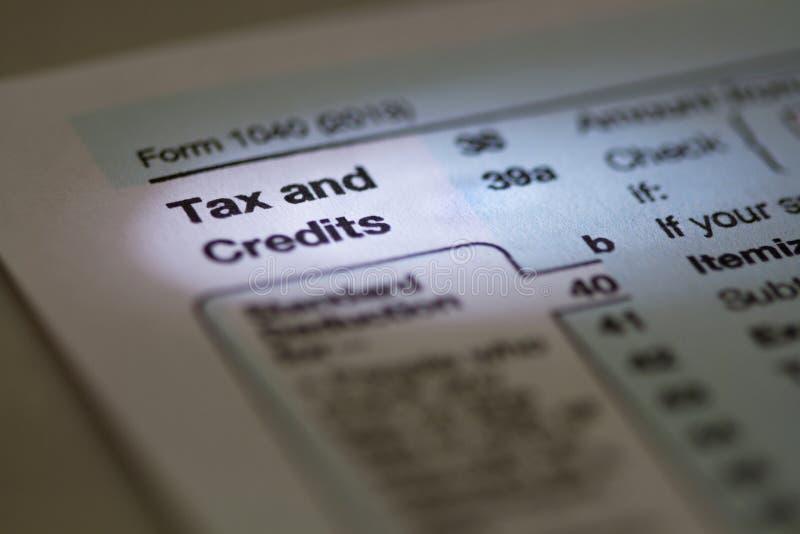 Podatku i kredytów 2013 Usa IRS podatku 1040 forma obrazy stock