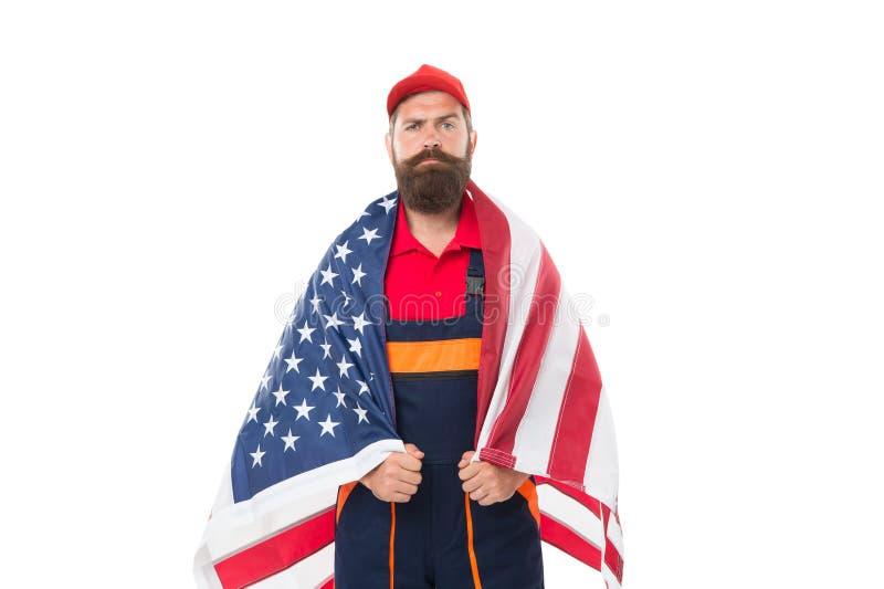 Pode seu Dia da Independência ser enchido com o amor e o orgulho Trabalhador seguro que veste a bandeira americana com orgulho Ho fotos de stock royalty free