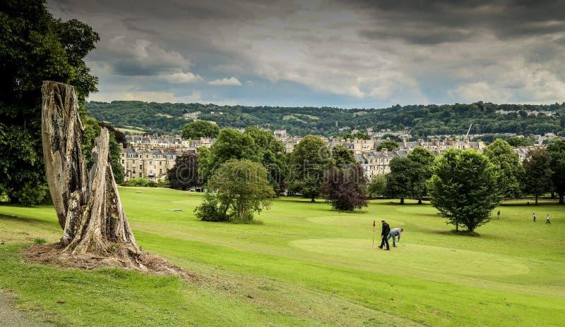 Podejścia pole golfowe w mieście skąpanie zdjęcie stock
