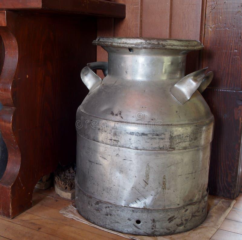 Poder antigua de la leche imagen de archivo