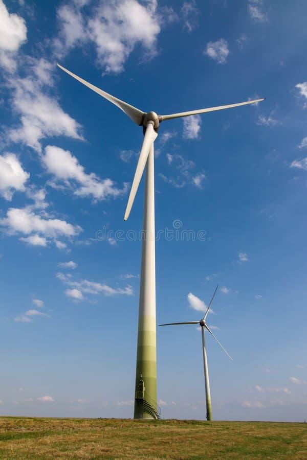 Poder de Eco, central eléctrica de energía eólica imagen de archivo libre de regalías