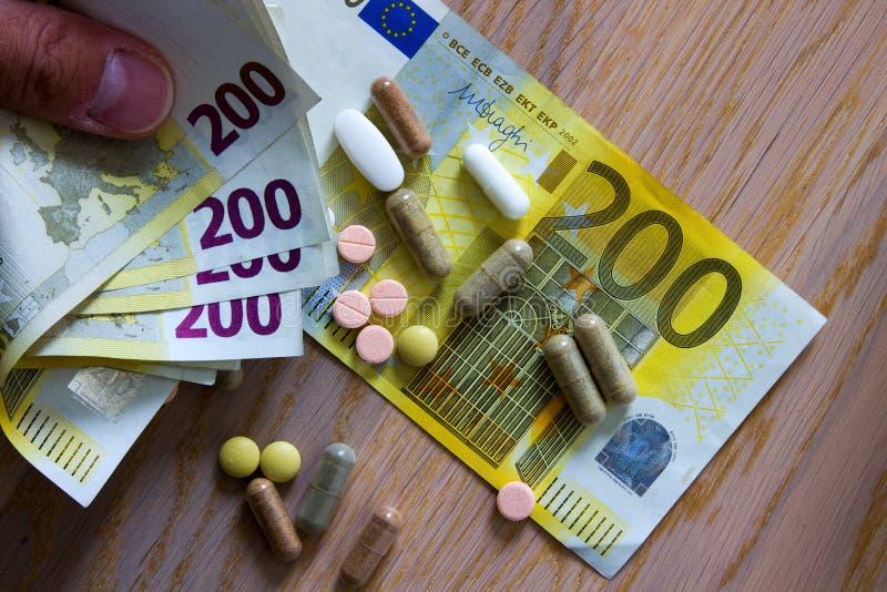 Poder de la industria farmacéutica imagen de archivo libre de regalías