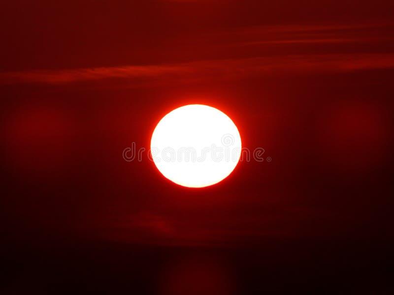 Poder de la puesta del sol tropical imagen de archivo