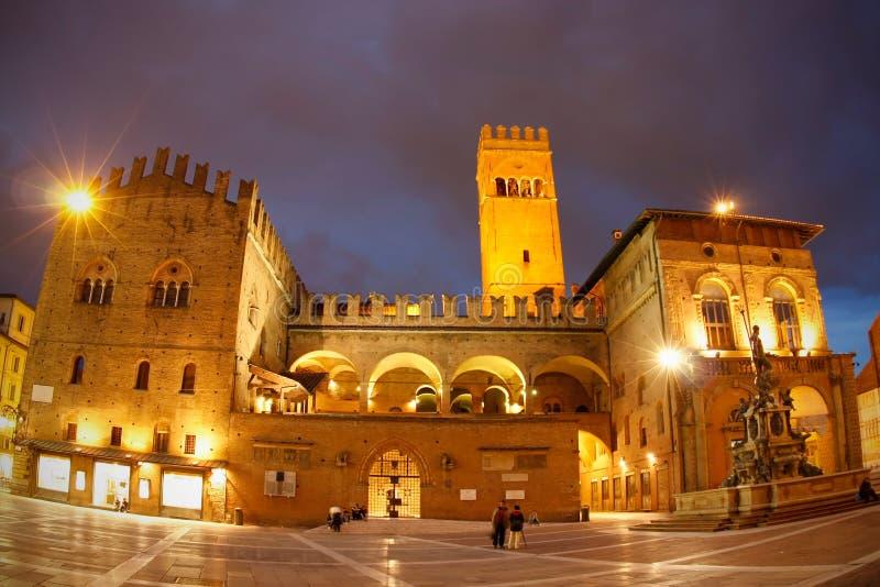 podesta för palazzo för bolognadelitaly natt royaltyfri bild