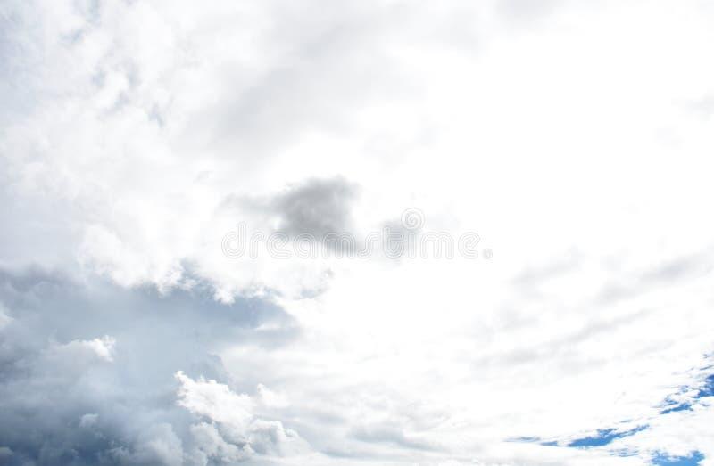 Podeszczowa chmura przed strom fotografia royalty free