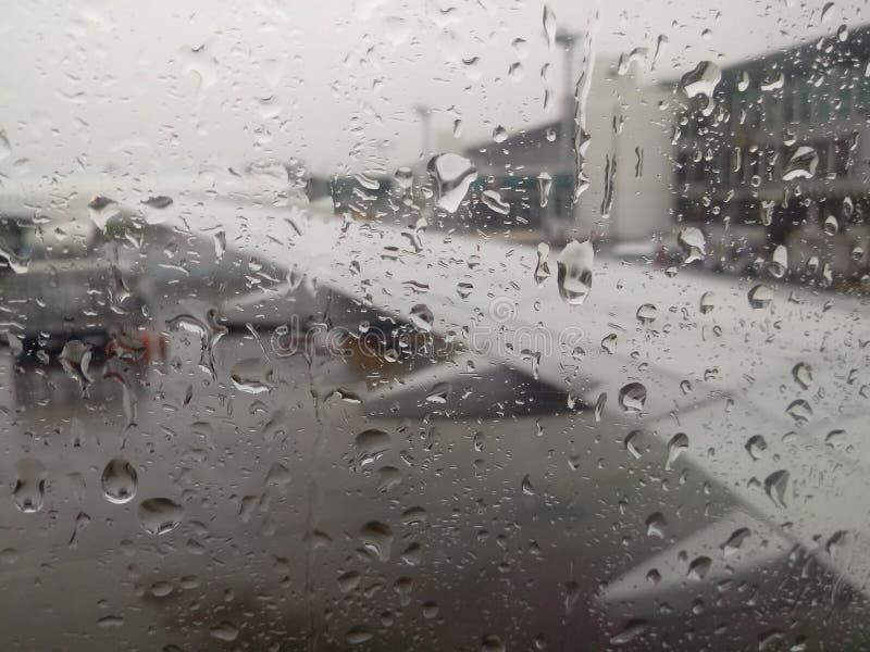 Podeszczowa pogoda w samolotach obraz stock
