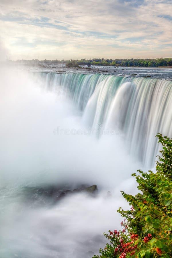 Podkowa spadki przy Niagara spadkami w Ontario i Nowy Jork granicie fotografia stock