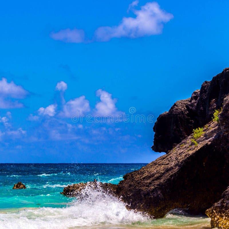 podkowy Bermuda podpalane Karaibskie skały kształtują teren piękny sceniczny spokojnego obraz stock