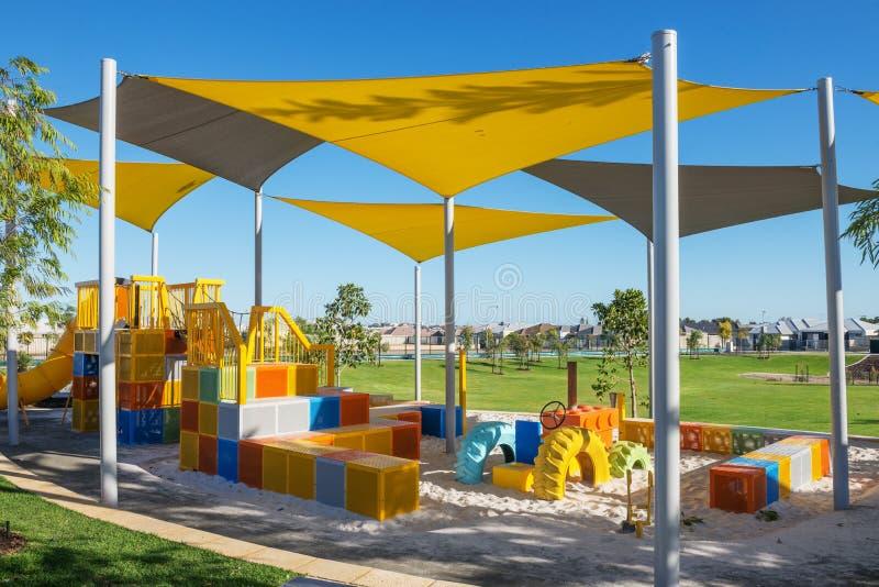 Podmiejski plenerowy kolorowy boisko fotografia royalty free
