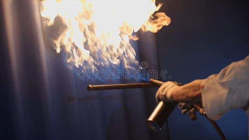 Podpalać płytki Fachowy ostrzał ceramiczne płytki zakrywać gwarancję specjalna siła i trwałość dach zdjęcie stock
