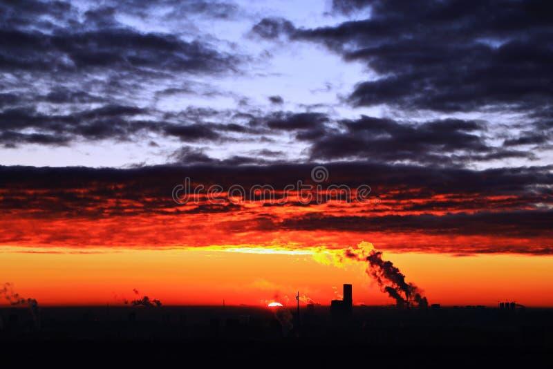 Podpala i zamraża w niebie Moskwa fotografia stock