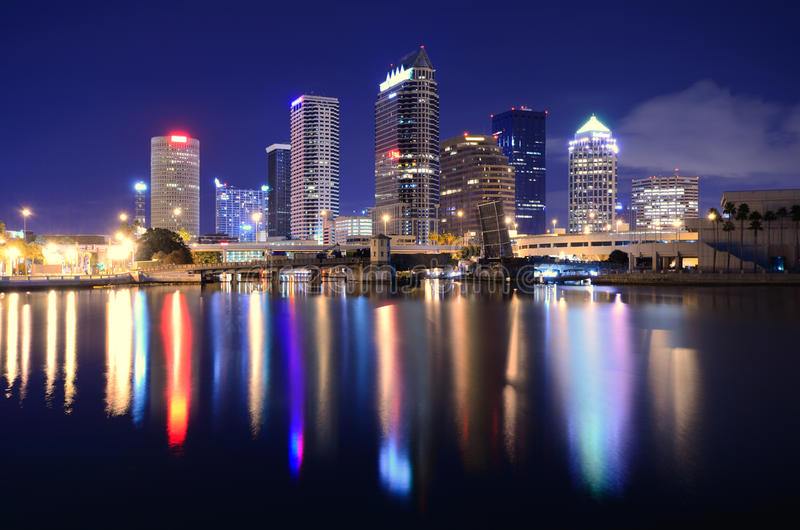 podpalana linia horyzontu Tampa fotografia stock