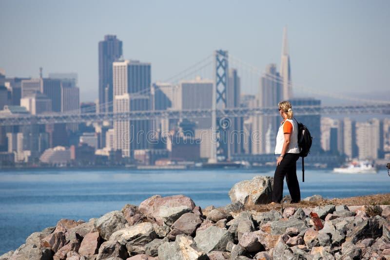 Download Podpalany bridżowy Oakland obraz stock. Obraz złożonej z most - 13325363
