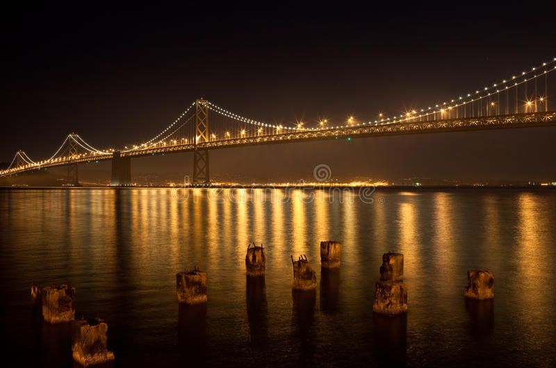 podpalany most obrazy stock