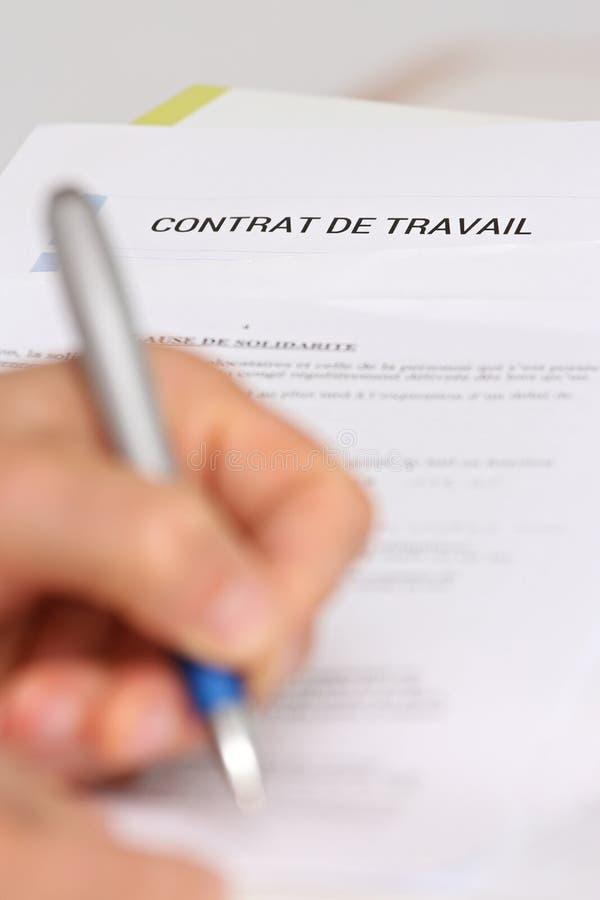 Podpisywać Francuskiego zatrudnieniowego kontrakt zdjęcia stock