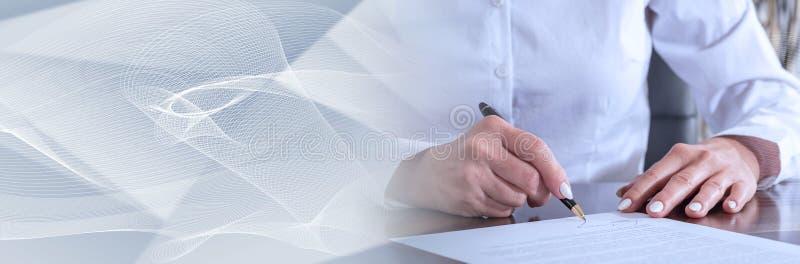 Podpisywanie kontrakt sztandar panoramiczny zdjęcie royalty free