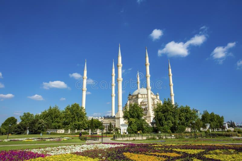 Podróży pojęcia fotografia Indyczy Adana Sabanci centrali meczet obrazy royalty free
