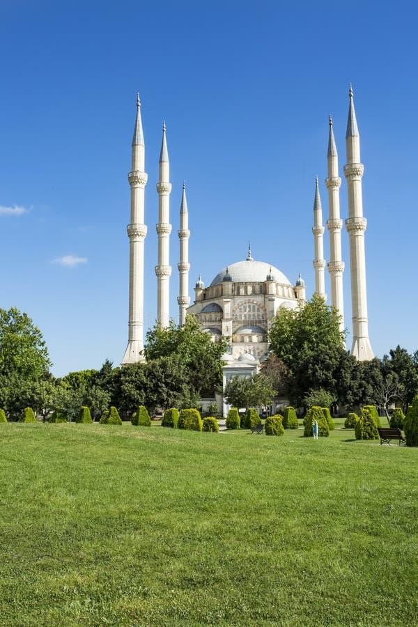 Podróży pojęcia fotografia Indyczy Adana Sabanci centrali meczet fotografia royalty free