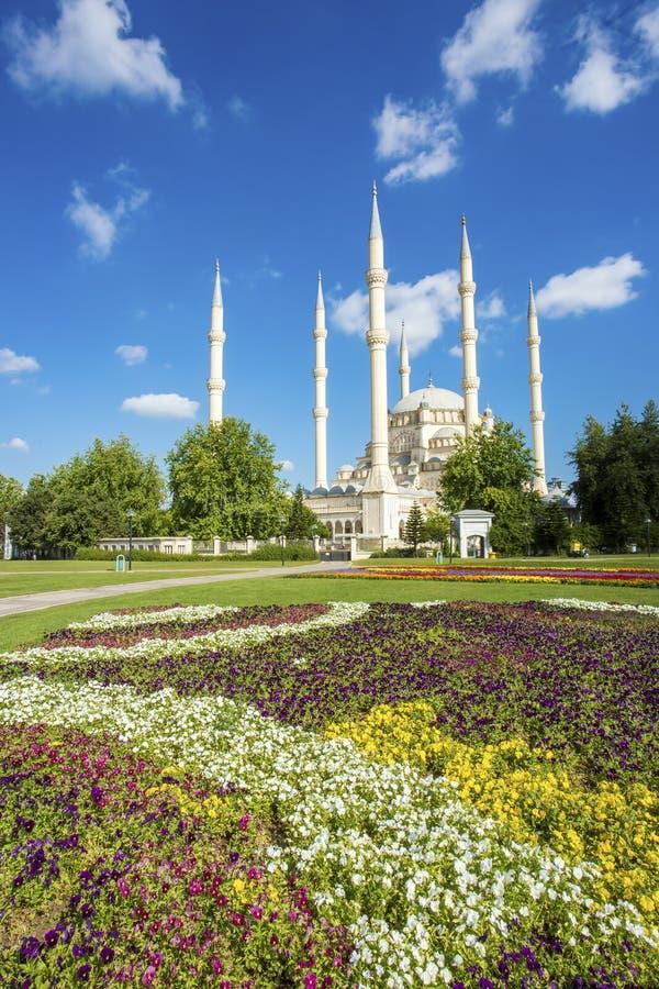Podróży pojęcia fotografia Indyczy Adana Sabanci centrali meczet zdjęcie stock