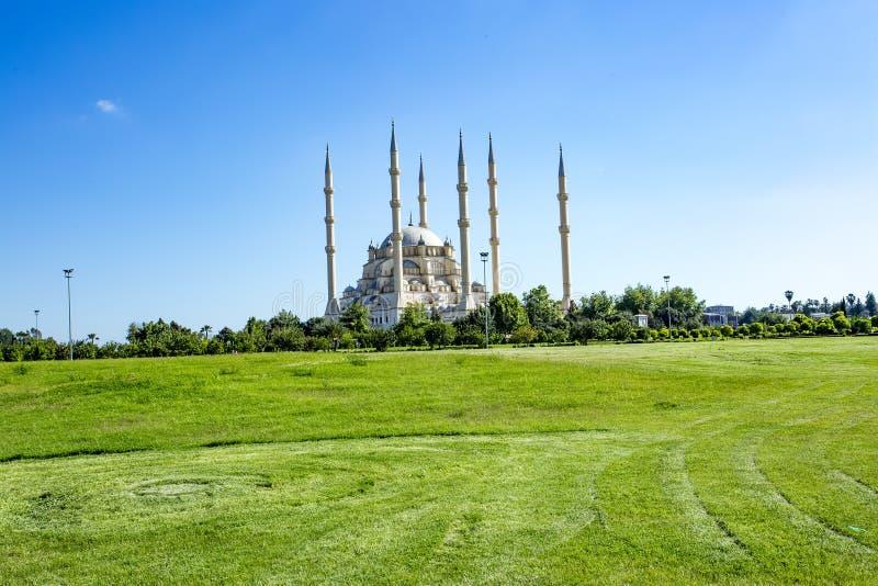 Podróży pojęcia fotografia Indyczy Adana Sabanci centrali meczet obraz royalty free