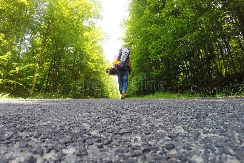 Podróżować na longboard obrazy stock