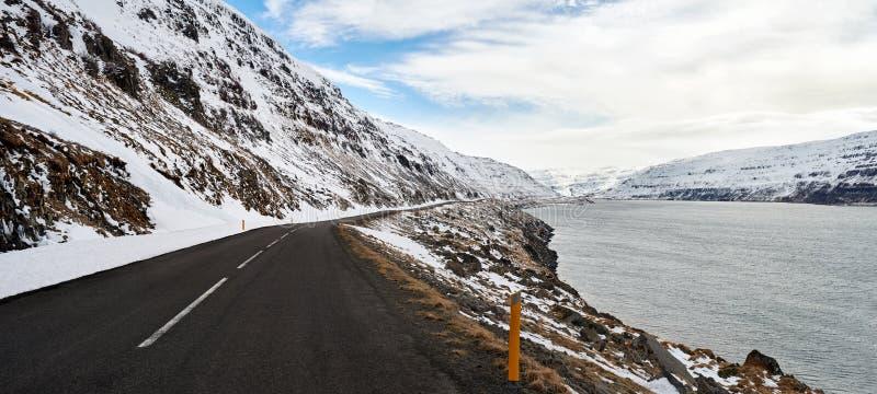 Podróżować przez Iceland dróg obrazy royalty free