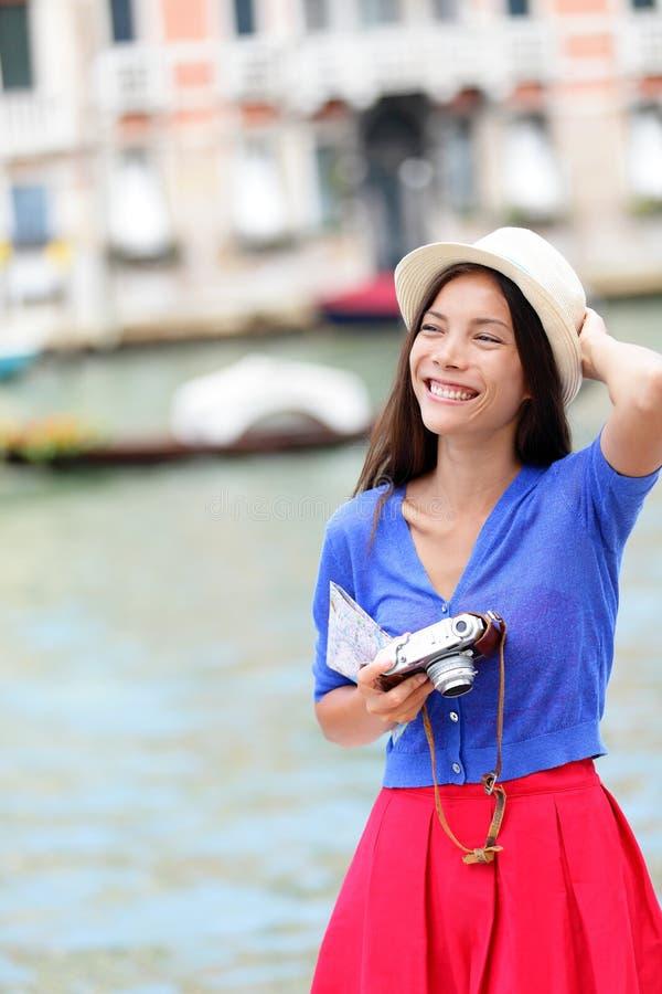 Podróżuje kobiety turystyczny podróżować w Wenecja, Włochy fotografia stock