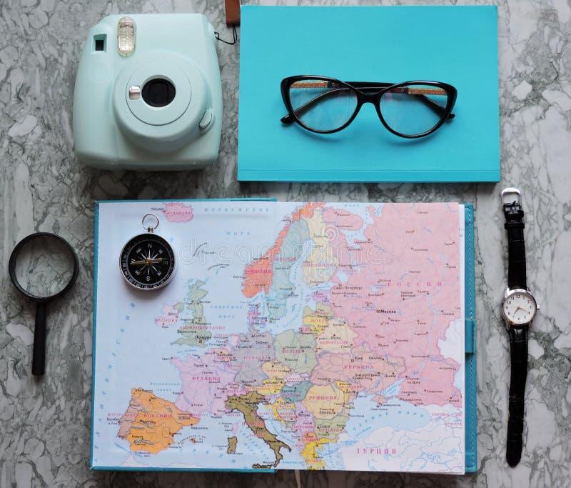 Podróży, turystyki i wakacje pojęcia tło, mapa świata zdjęcie stock