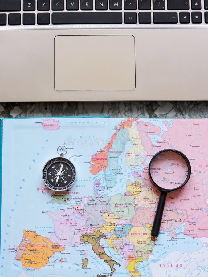 Podróży, turystyki i wakacje pojęcia tło, mapa świata zdjęcie royalty free