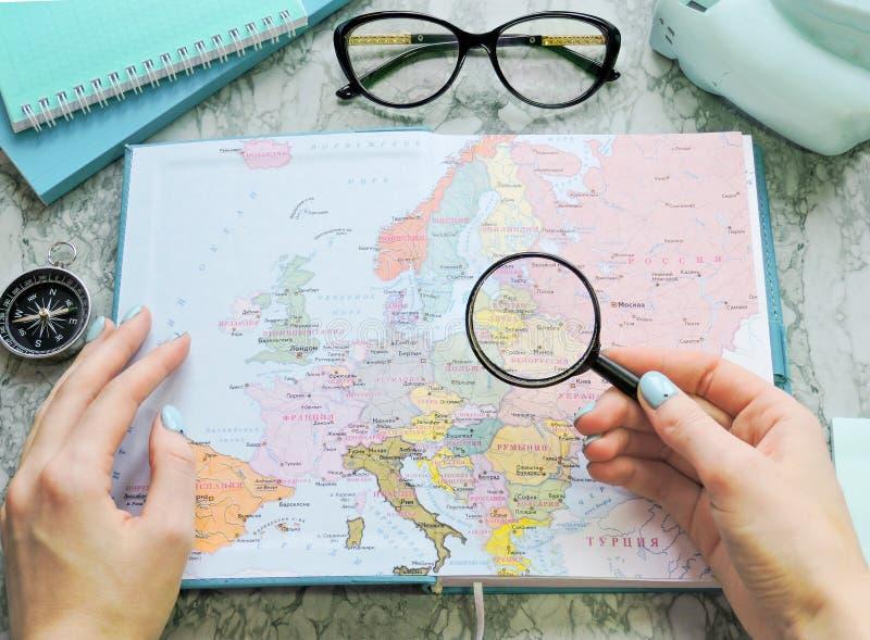 Podróży, turystyki i wakacje pojęcia tło, mapa świata fotografia stock