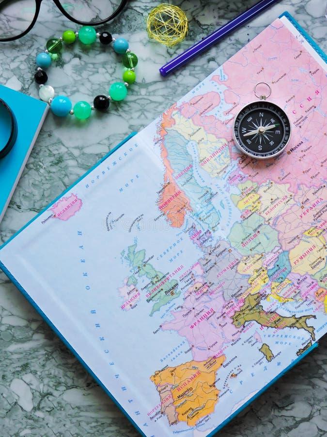 Podróży, turystyki i wakacje pojęcia tło, mapa świata fotografia royalty free